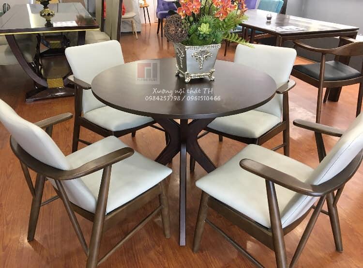 Bộ bàn ăn tròn gỗ phong cách hiện đại