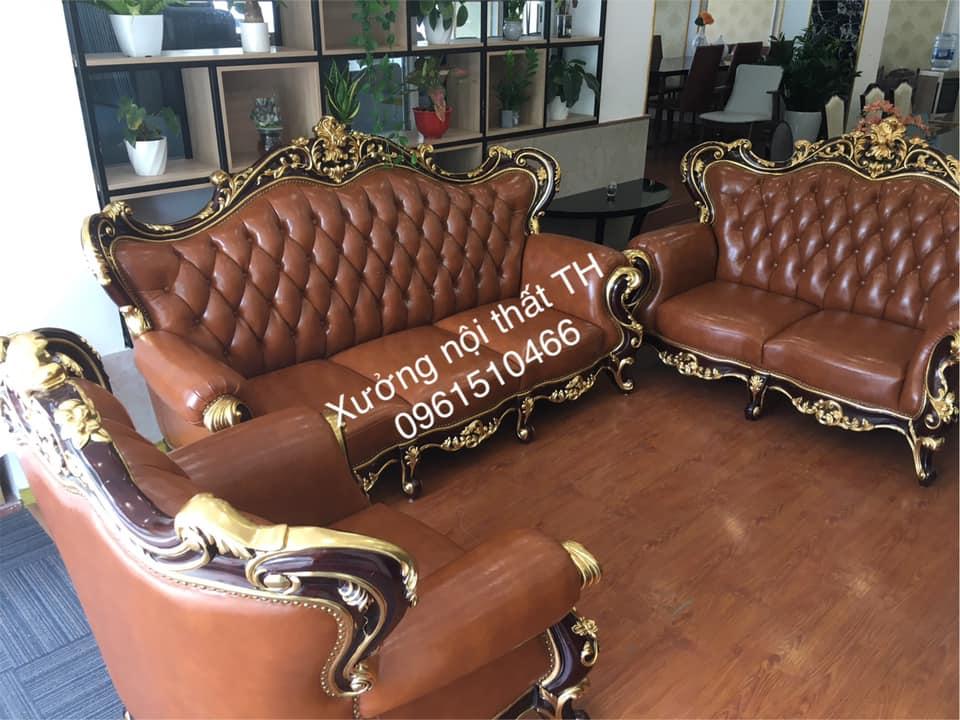 Sofa cổ điển xa hoa lộng lẫy toát lên vè sang trọng của gia chủ