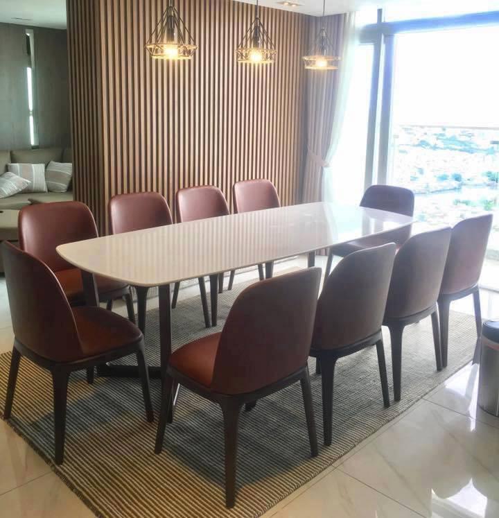 Bộ bàn ghế ăn gỗ sồi tự nhiên mặt đá dành cho 10 người