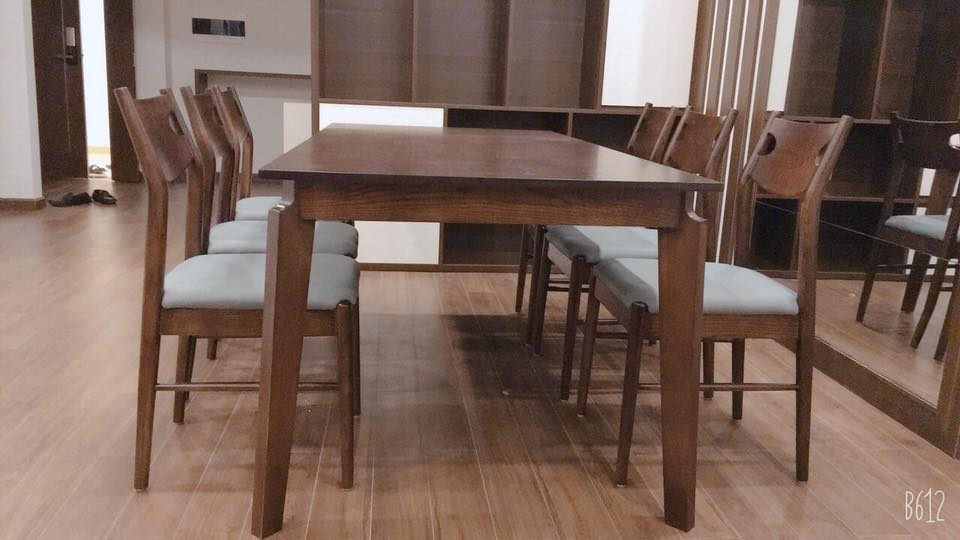 Bộ bàn ăn gỗ 6 ghế mộc mạc, gọn gàng nhưng luôn thu hút mọi ánh nhin