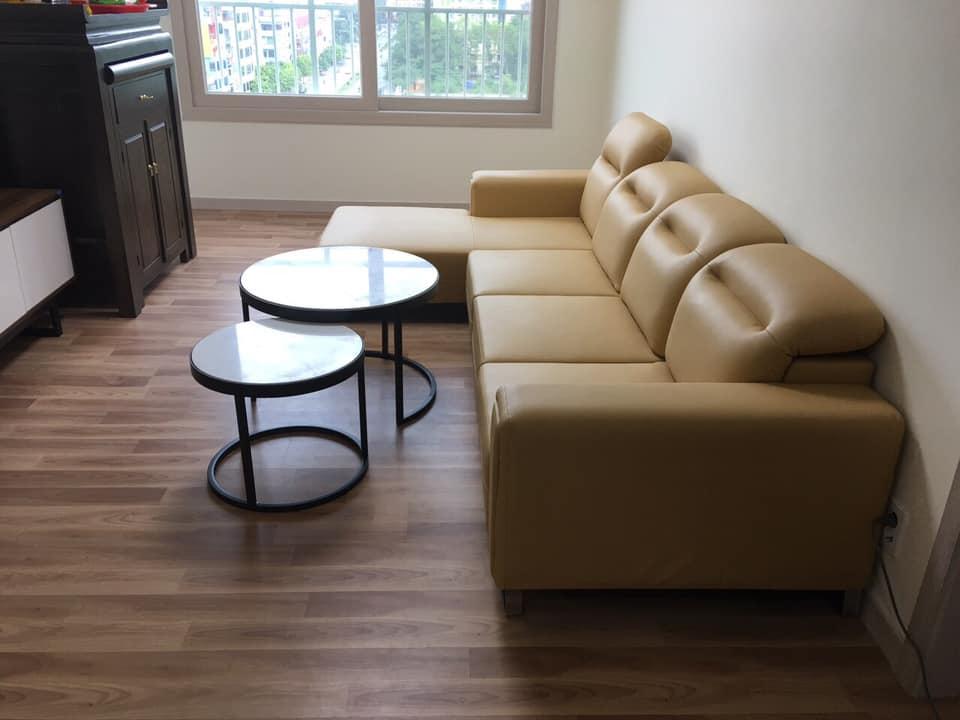 Sofa gật gù với thiết kế phần lưng có thể gật lên gật xuống tùy thuộc vào nhu cầu sử dụng cũng như không gian phòng khách