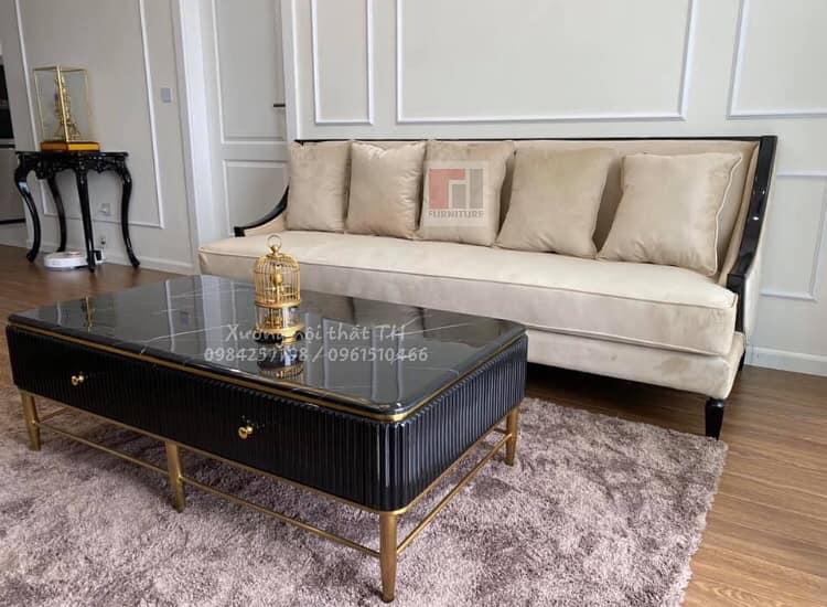 Sofa văng lộ viền gỗ vào không gian nhà đẹp