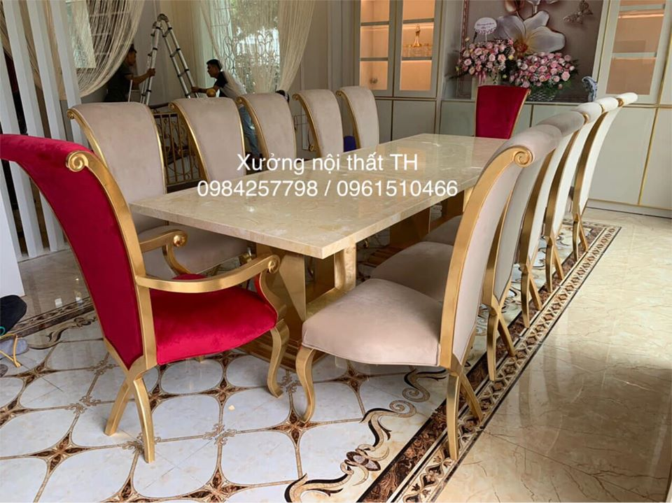Mẫu ghế hay được sử dụng làm ghế chủ trong bàn ăn