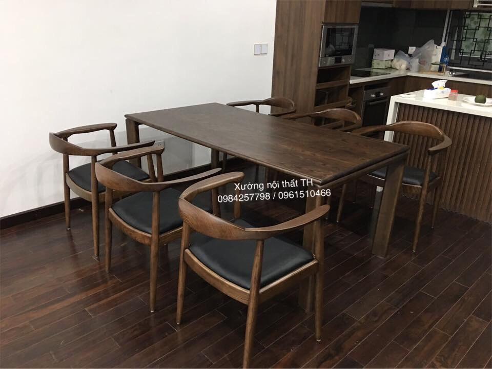 Bộ bàn ghế ăn gỗ tự nhiên hoàn toàn thể hiện cá tính riêng của gia chủ