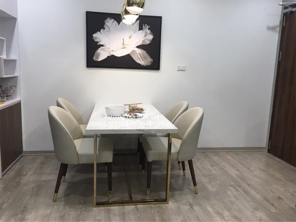 Bộ bàn ăn hiện đại chân inox mạ titan vàng mặt đá 4 ghế sang trọng