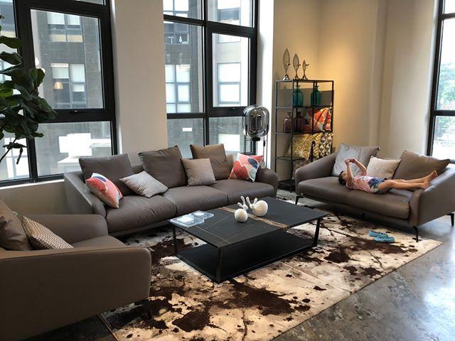 Bộ sofa gia đình hiện đại cho căn phòng tiện nghi, ấm áp