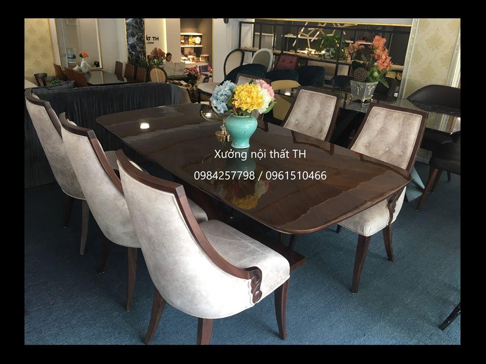 Bộ bàn ăn ghép vân độc đáo kết hợp cùng 6 ghế H4 duyên dáng mang lại không gian phòng ăn vô cùng tinh tế và đẳng cấp