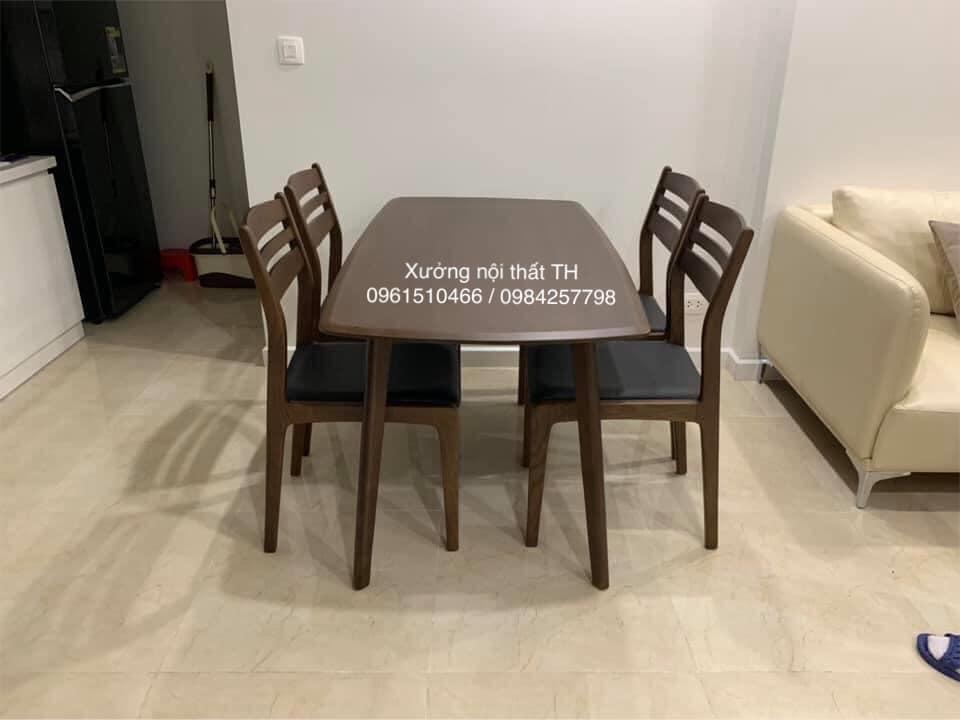 Bộ bàn ăn 4 ghế gỗ tự nhiên nhỏ gọn, hiện đại mà vẫn toát lên sự sang trọng và tinh tế