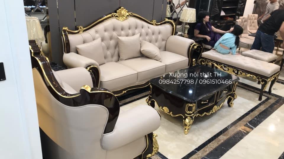 Bộ sofa tân cổ điển sang trọng đặt vào không gian nhà khách thể hiện đẳng cấp gia chủ