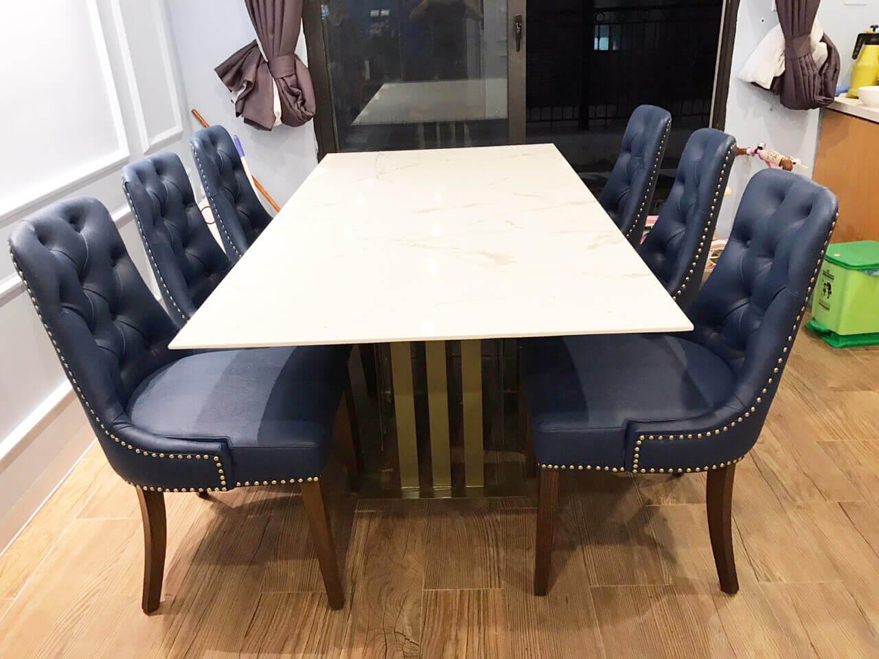 Bộ bàn ghế Charles bọc nệm