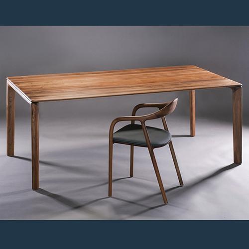 Cái nhìn khách quan phân biệt ghế ăn gỗ sồi và gỗ tần bì