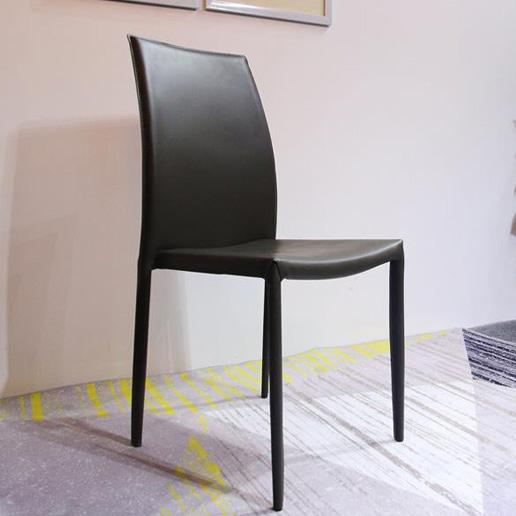 """Ghế ăn sắt bọc nệm đẹp – """"đổi gió"""" cho không gian phòng bếp"""