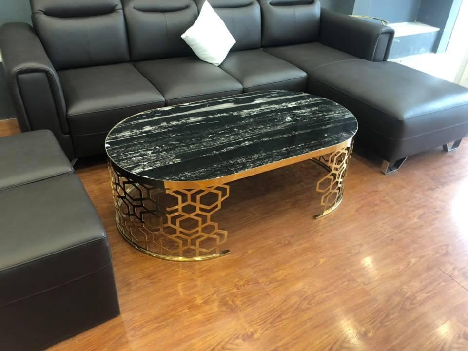 Những mẫu bàn trà inox mạ titan vàng mặt đá đen tự nhiên luôn nhận được sự quan tâm từ phía khách hàng của Xưởng Nội Thất TH
